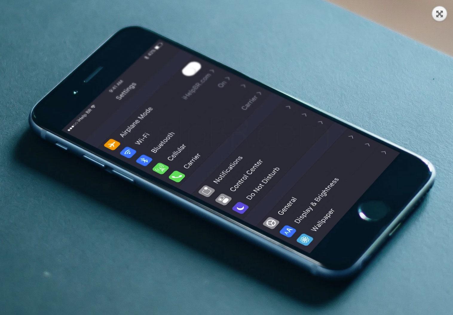Interfaz imaginada de iOS 10 con fondo negro