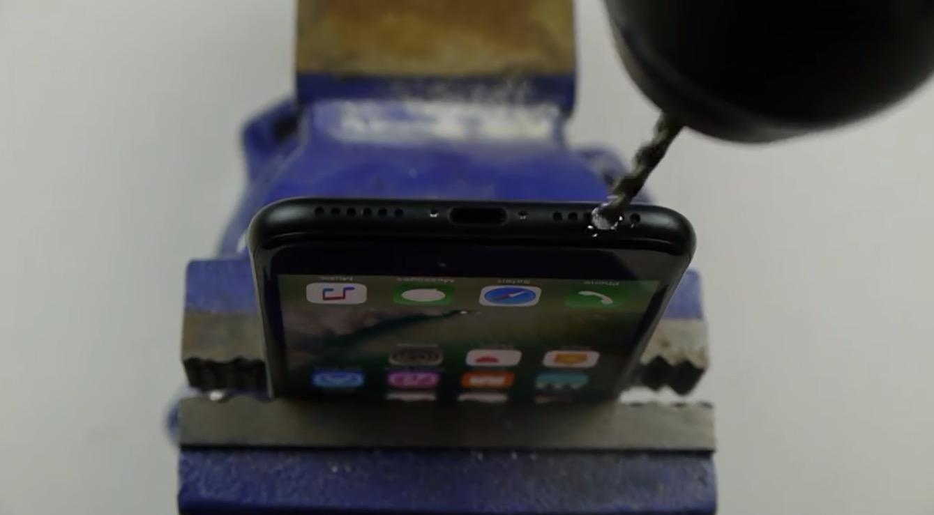 Taladrando un iPhone 7