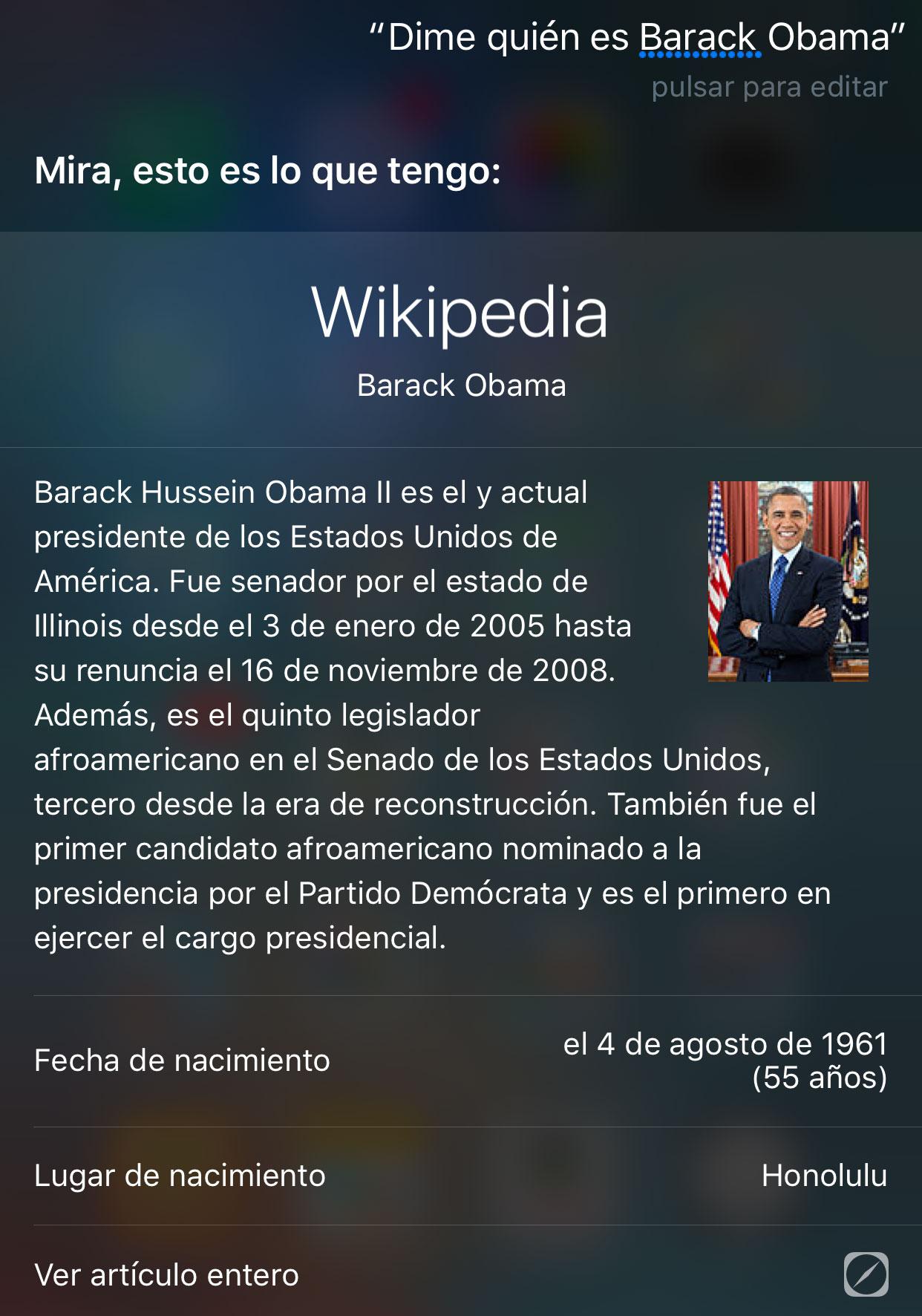 Preguntando a Siri quién es Barack Obama