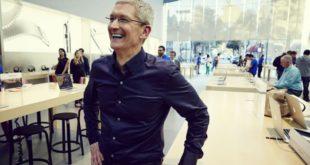 Tim-Cook-Apple-Store-700x404