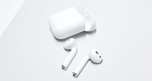 AirPods-Apple-Store-700x393